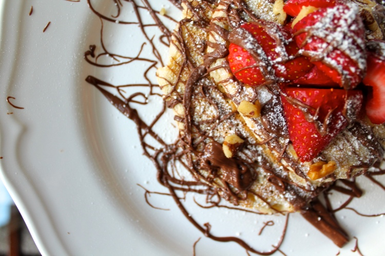 Gigi's Fluffy Pancakes with Nutella, Almonds and Chocolate chips